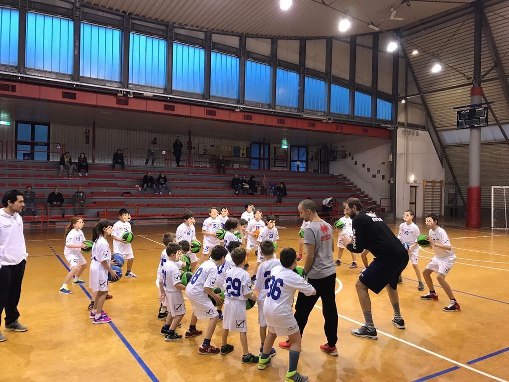 Gli impianti per gli sport di squadra: calcio, basket, volley sono di casa in Montagna Pistoiese